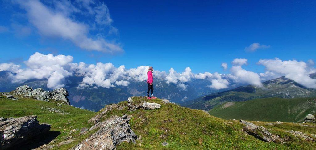 Panoramata z Moharu 2 604 m n.m., v dáli Grossglockner